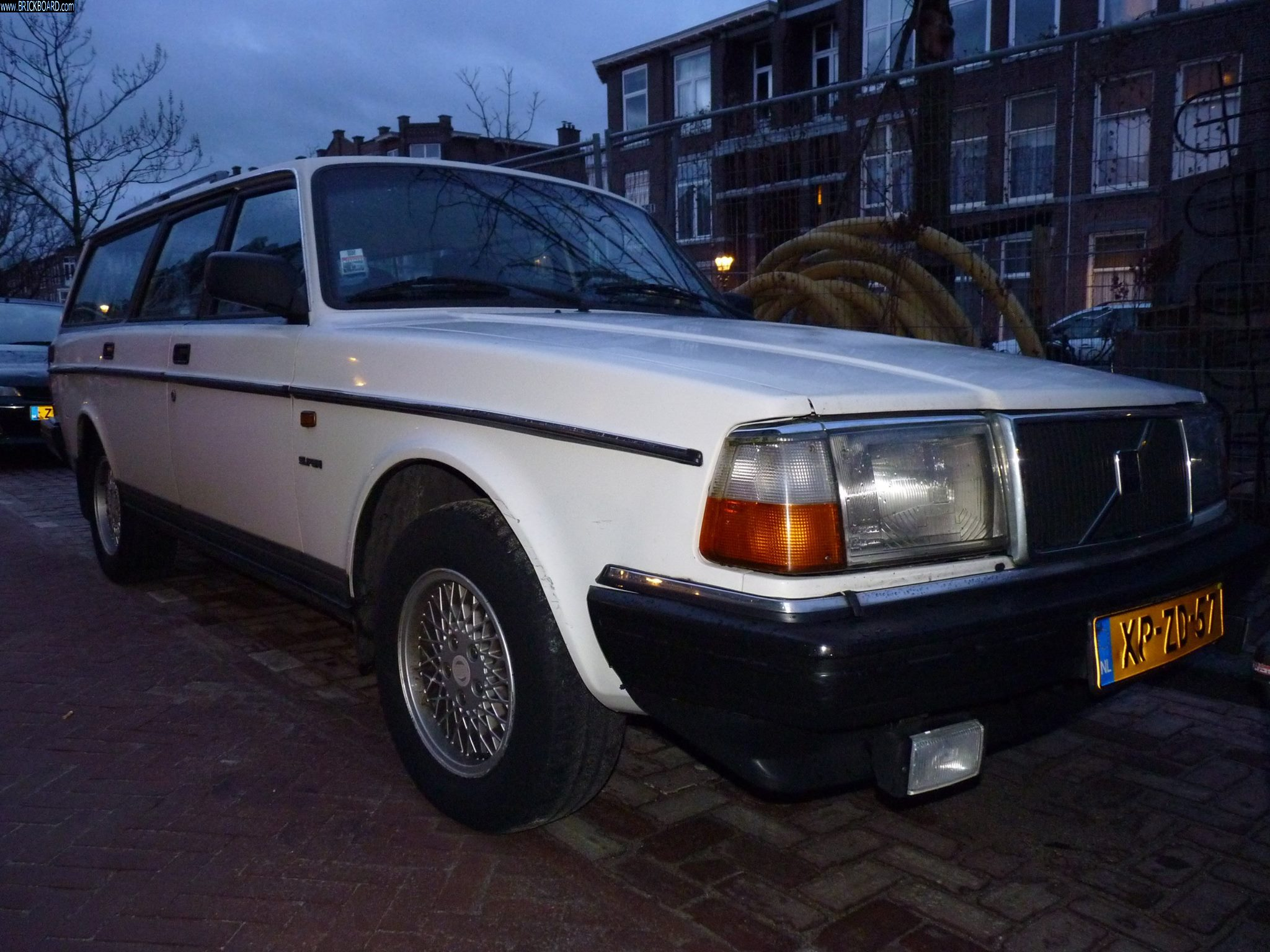 Volvo  -- 1992-93 Volvo 240 Polar Estate