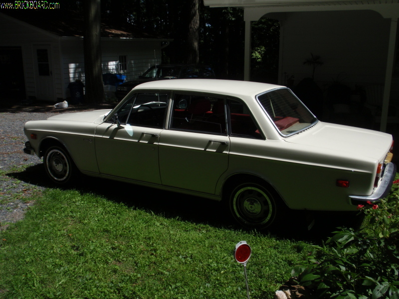 Volvo 140-160 -- 1971 164  garage find